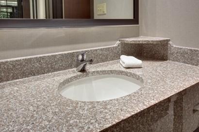 Drury Inn & Suites Louisville East - Bathroom