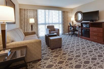Drury Inn & Suites Louisville East - Two-room Suite Guestroom