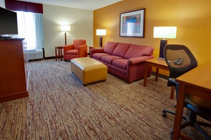Drury Inn & Suites Terre Haute - Two-room Suite Guestroom
