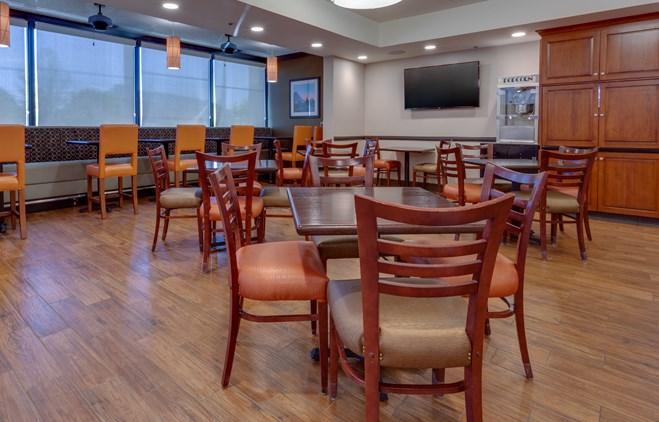Drury Inn & Suites Memphis Southaven - Dining Area