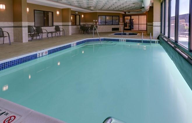 Drury Inn & Suites Memphis Southaven - Indoor/Outdoor Pool & Whirlpool