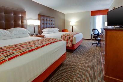 Drury Inn & Suites Memphis Southaven - Deluxe Queen Guestroom