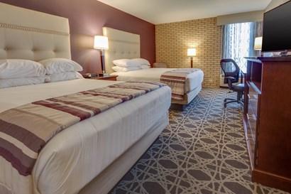 Drury Inn & Suites Hayti - Deluxe Queen Guestroom