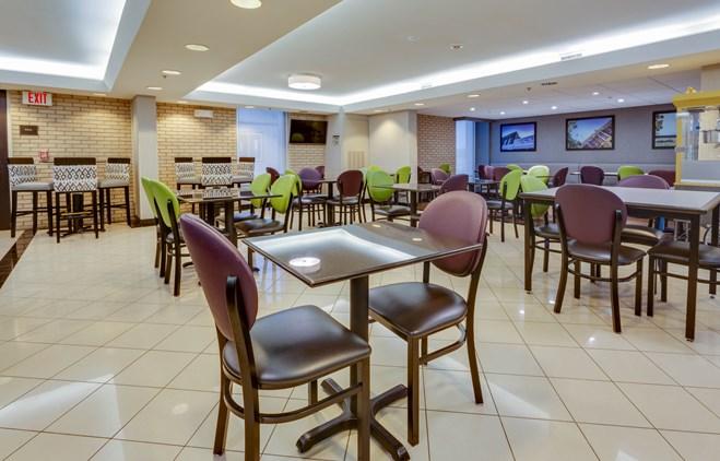 Drury Inn & Suites Hayti - Dining Area