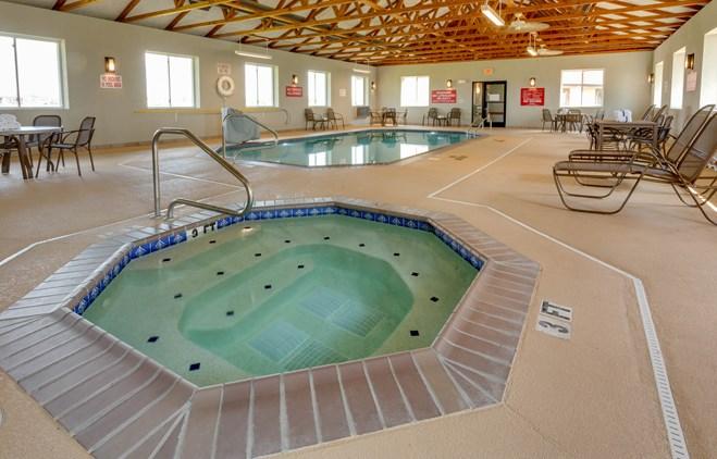 Drury Inn & Suites Hayti - Indoor Pool