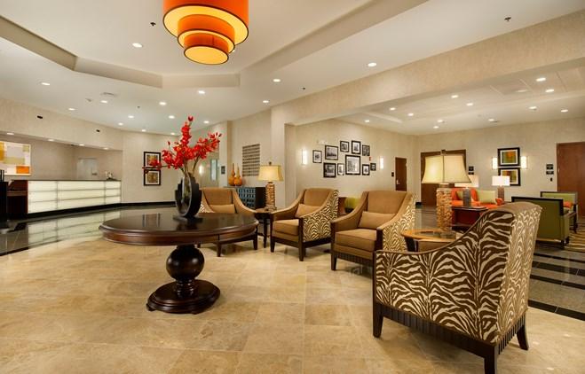 Drury Inn & Suites Valdosta - Lobby