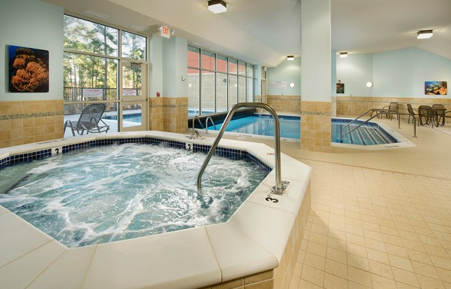 Drury Inn & Suites Valdosta - Indoor/Outdoor Pool