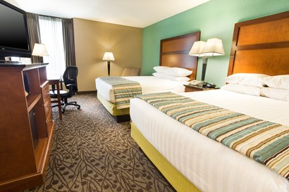 Drury Inn & Suites Atlanta Airport - Deluxe Queen Guestroom