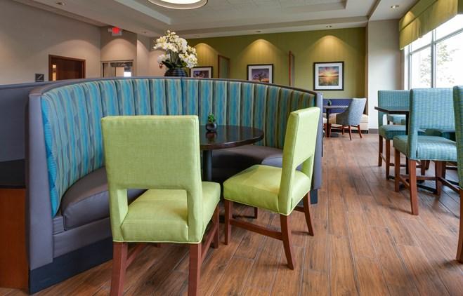 Drury Plaza Hotel Columbia - Dining Area