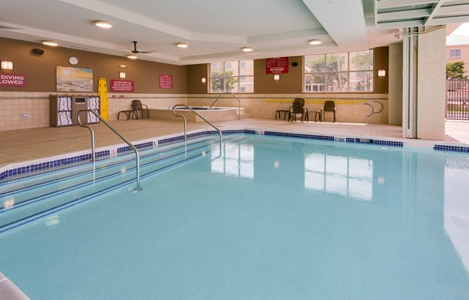 Drury Plaza Hotel Columbia - Indoor/Outdoor Pool