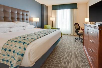 Drury Plaza Hotel Columbia - Deluxe King Guestroom