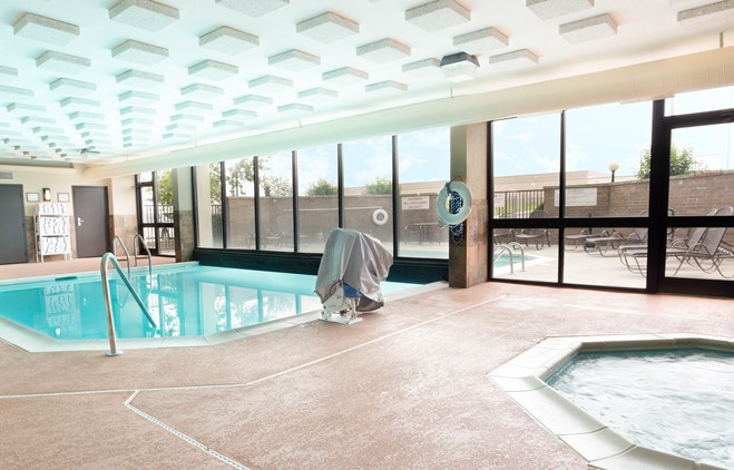Drury Inn & Suites Atlanta Morrow - Indoor/Outdoor Pool