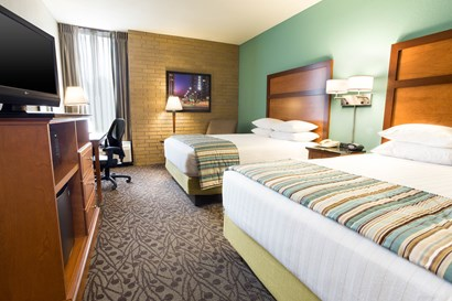 Drury Inn & Suites Atlanta Morrow - Deluxe Queen Guestroom