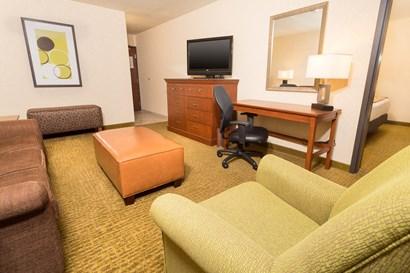 Drury Inn & Suites Atlanta Northwest - Two-room Suite Guestroom