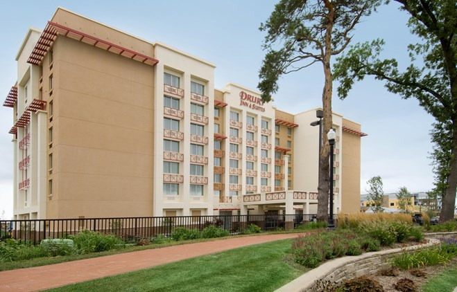 Drury Inn & Suites West Des Moines - Exterior