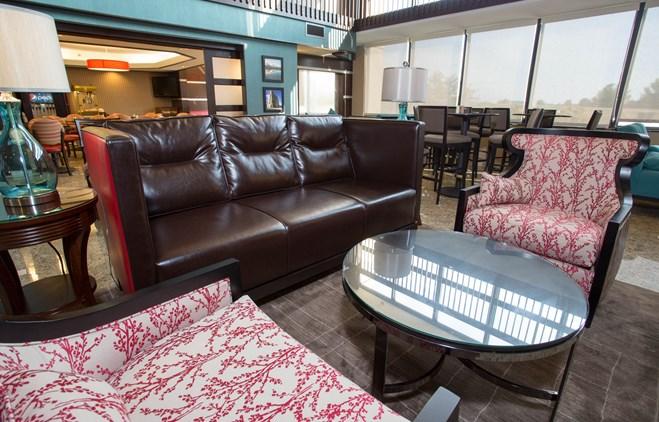 Drury Inn & Suites Champaign - Lobby
