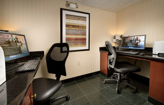 Drury Inn & Suites Fairview Heights - 24 Hour Business Center