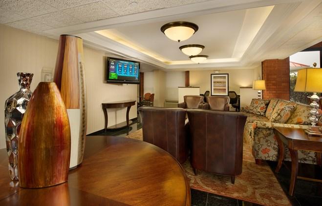 Drury Inn & Suites Fairview Heights - Lobby