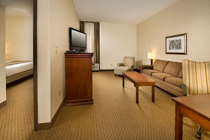 Drury Inn & Suites Fairview Heights - Two-room Suite Guestroom