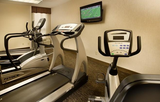 Drury Inn & Suites Collinsville - 24 Hour Business Center
