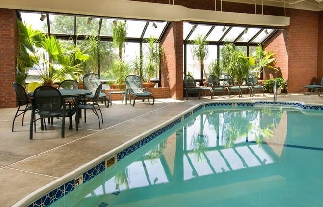 Drury Inn & Suites Collinsville - Indoor Pool