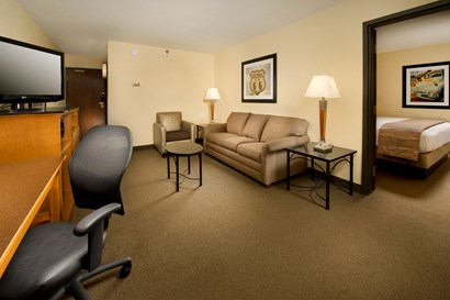 Drury Inn & Suites Springfield IL - Two-room Suite Guestroom