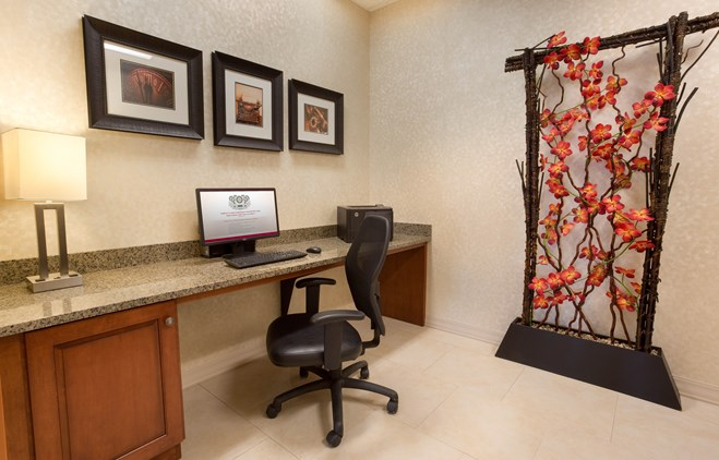 Drury Inn & Suites Mount Vernon - 24 Hour Business Center
