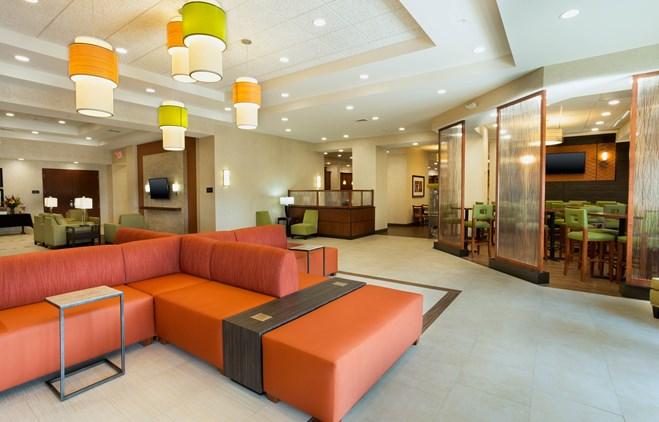 Drury Inn & Suites Mount Vernon - Lobby