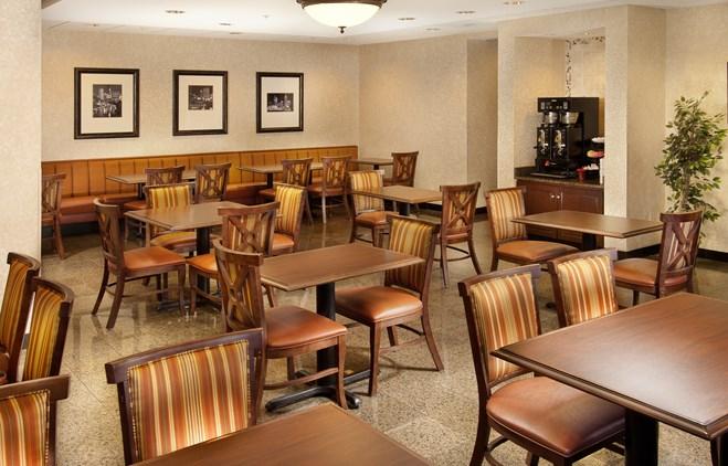 Drury Inn Indianapolis Northwest - Dining Area