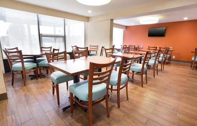Pear Tree Inn Terre Haute - Dining Area