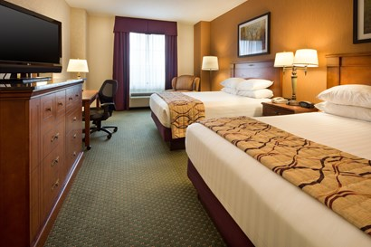 Drury Inn & Suites Indianapolis Northeast - Deluxe King Guestroom