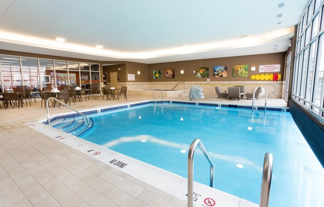 Drury Plaza Hotel Indianapolis Carmel - Indoor/Outdoor Pool