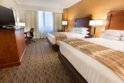 Drury Plaza Hotel Indianapolis Carmel - Deluxe Queen Guestroom