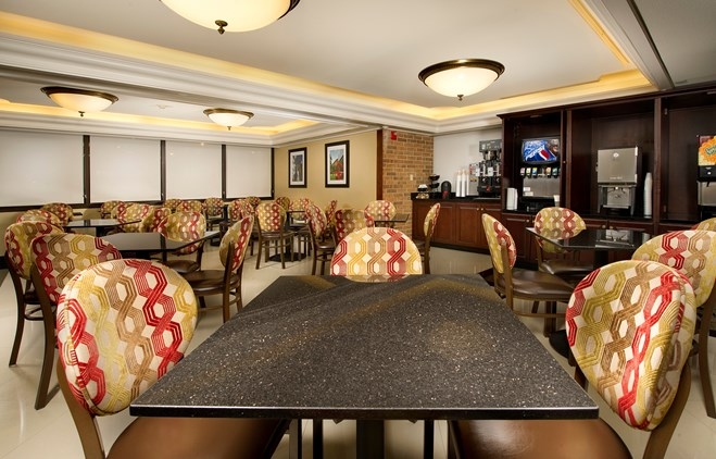 Drury Inn & Suites Kansas City Shawnee Mission - Dining Area