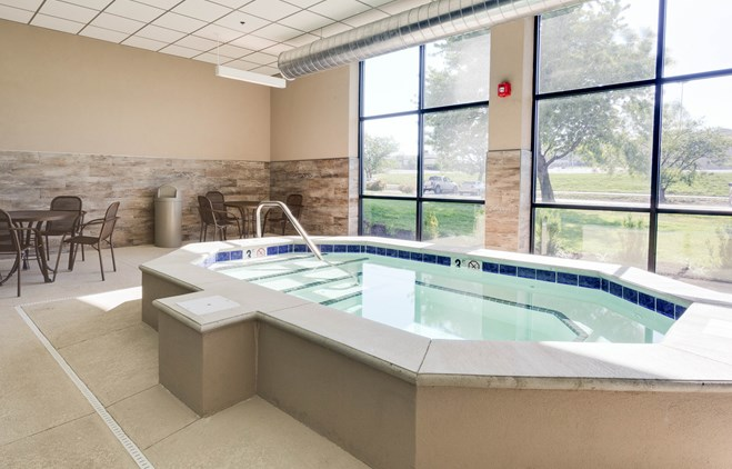 Drury Inn & Suites Kansas City Shawnee Mission - Indoor Pool
