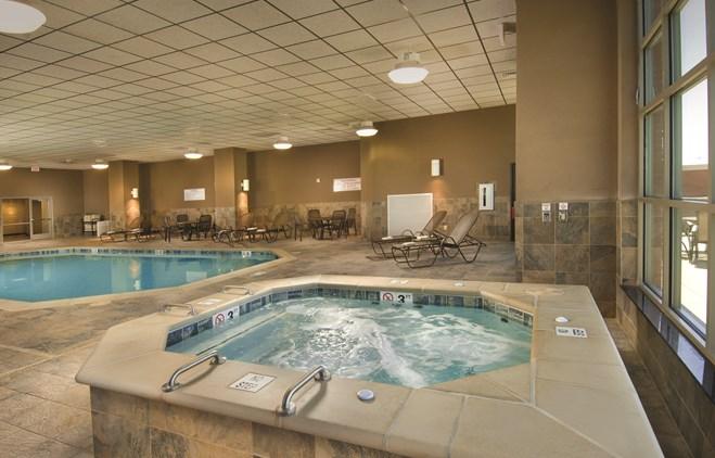 Drury Plaza Hotel Broadview Wichita Indoor Pool