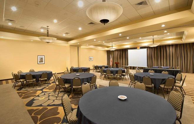 Drury Plaza Hotel Broadview Wichita - Meeting Space