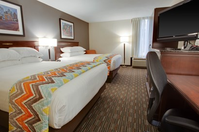Pear Tree Inn Paducah - Deluxe Queen Guestroom