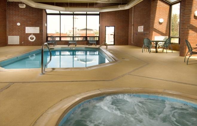 Drury Inn Paducah - Indoor Pool