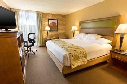 Drury Suites Paducah - Deluxe King Guestroom