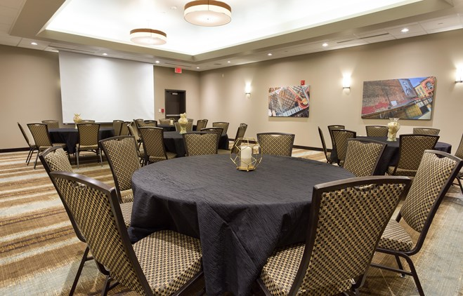 Drury Inn & Suites Louisville North - Meeting Space
