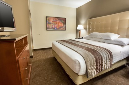 Drury Inn & Suites New Orleans - Two-room Suite Guestroom