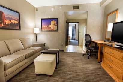 Drury Inn & Suites Lafayette - Two-room Suite Guestroom