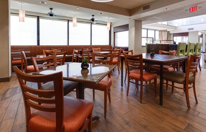 Drury Inn & Suites Denver near the Tech Center - Dining Area