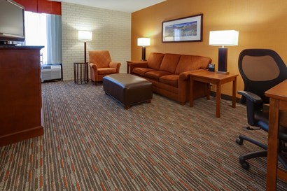 Drury Inn & Suites Denver near the Tech Center - Two-room Suite Guestroom