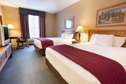 Pear Tree Inn Lafayette - Deluxe Queen Guestroom