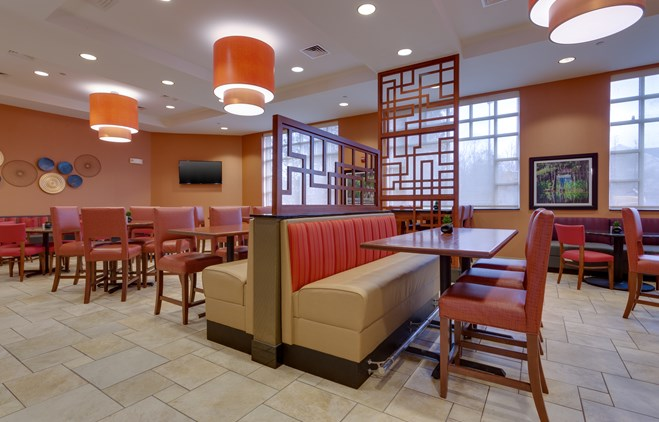 Drury Inn & Suites Baton Rouge - Dining Area