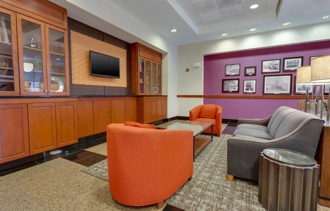 Drury Inn & Suites Baton Rouge - Lobby
