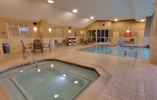 Drury Inn & Suites Baton Rouge - Indoor/Outdoor Pool