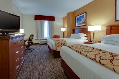 Drury Inn & Suites Baton Rouge - Deluxe Queen Guestroom
